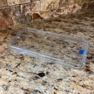 iPhone 7 Clear Symmetry Otterbox